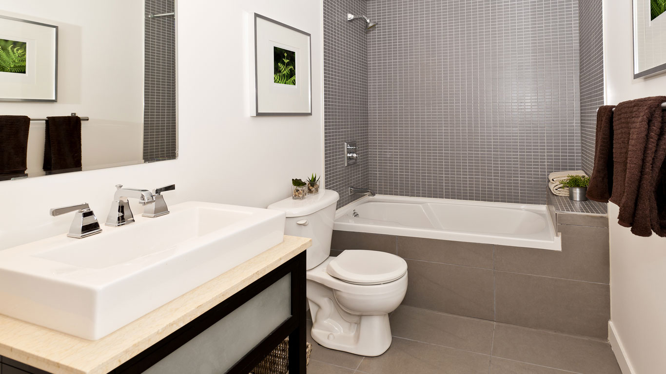 Bathroom remodeling jackson plumbing for What s the average price to remodel a bathroom